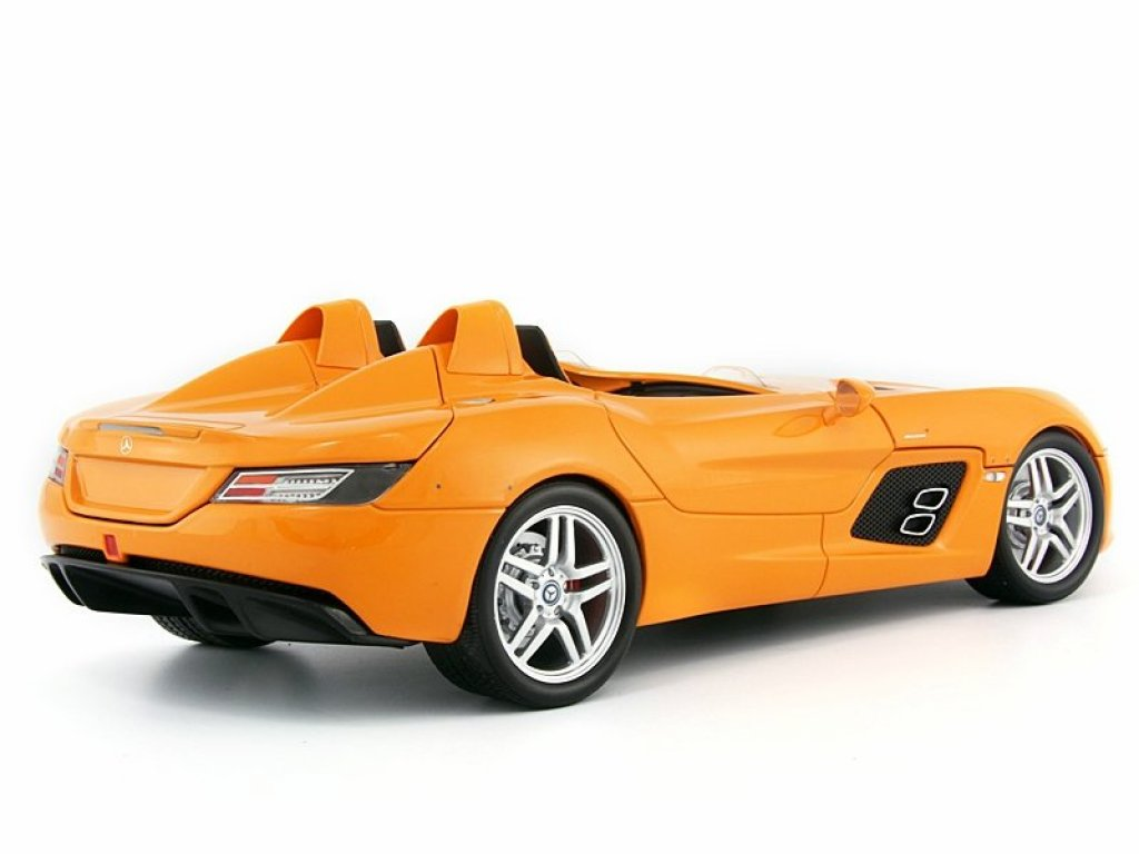 1:18 Minichamps Mercedes-Benz SLR McLaren Stirling Moss Edition (Z199) 2009 оранжевый