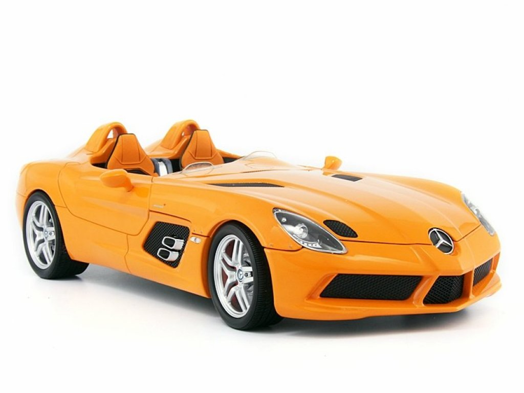 1:18 Minichamps MERCEDES-BENZ SLR STIRLING MOSS (Z199) - 2009 - ORANGE