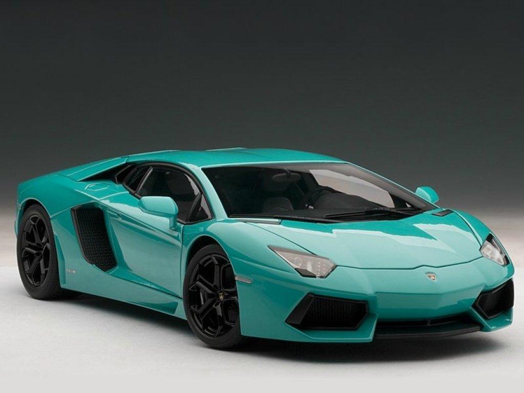 1:18 AUTOart LAMBORGHINI AVENTADOR LP700-4 (BLUE) 2011