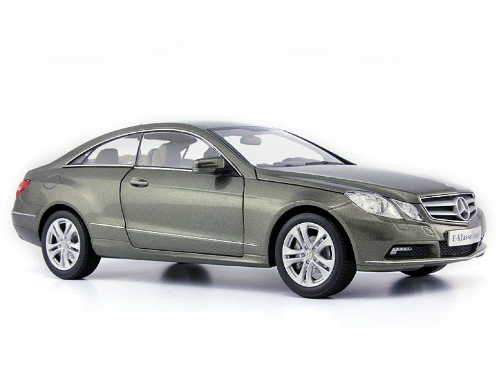 1:18 Norev Mercedes-Benz E-Klasse Coupé (C207) stannitgraumet. (MB)