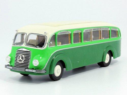1:43 Premium ClassiXXs Mercedes-Benz LO3500 bus, green-ivory