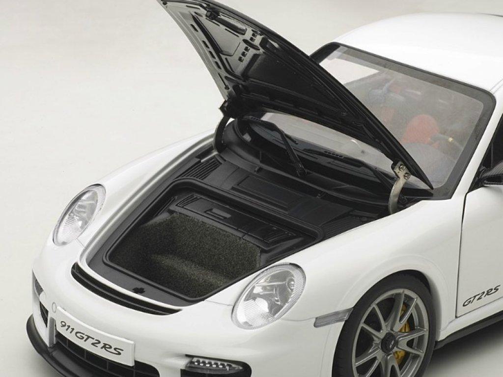 1:18 AUTOart Porsche 911 (997) GT2 RS 2010 белый