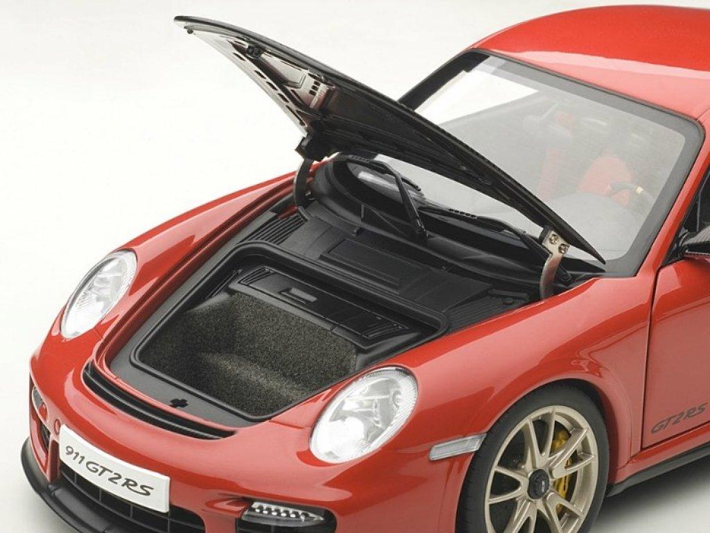 1:18 AUTOart Porsche 911 (997) GT2 RS 2010 красный с черным капотом