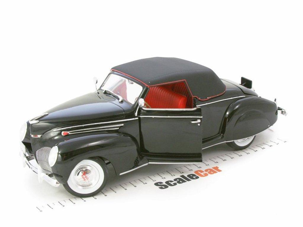 1:18 Signature Lincoln Zephyr 1939 черный