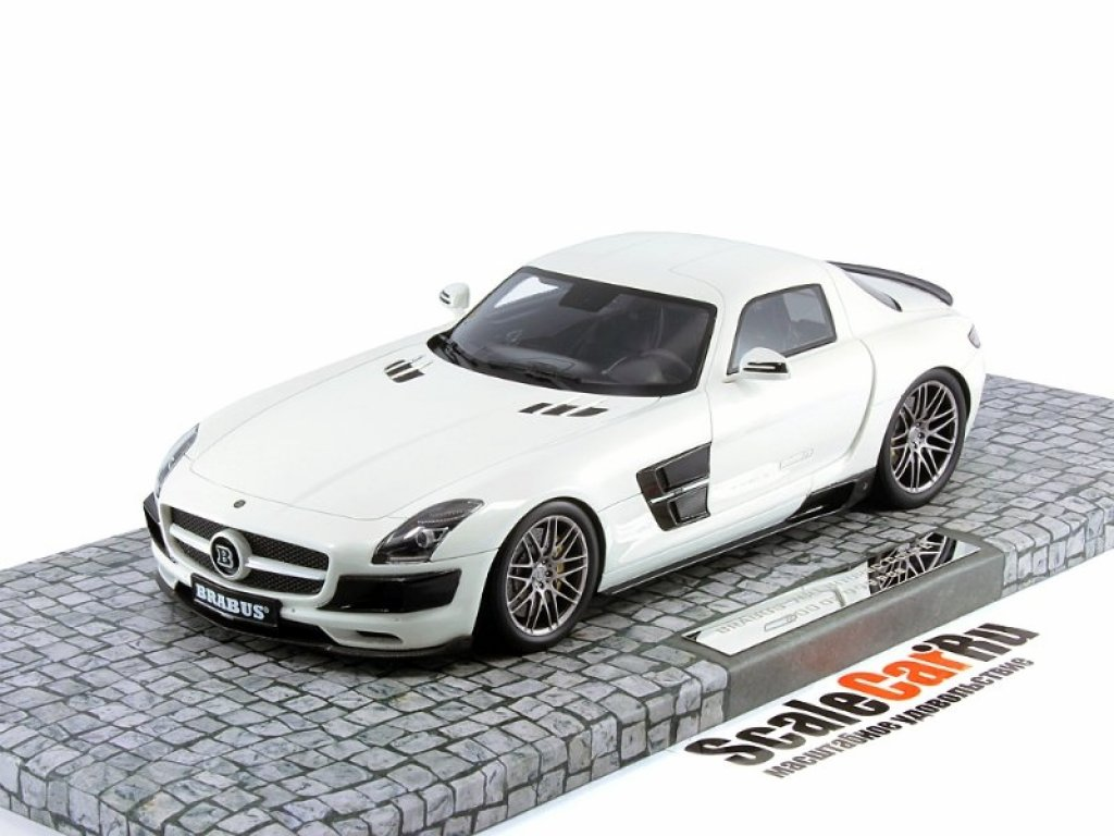 1:18 Minichamps Mercedes-Benz SLS BRABUS 700 BITURBO COUPÉ - 2013