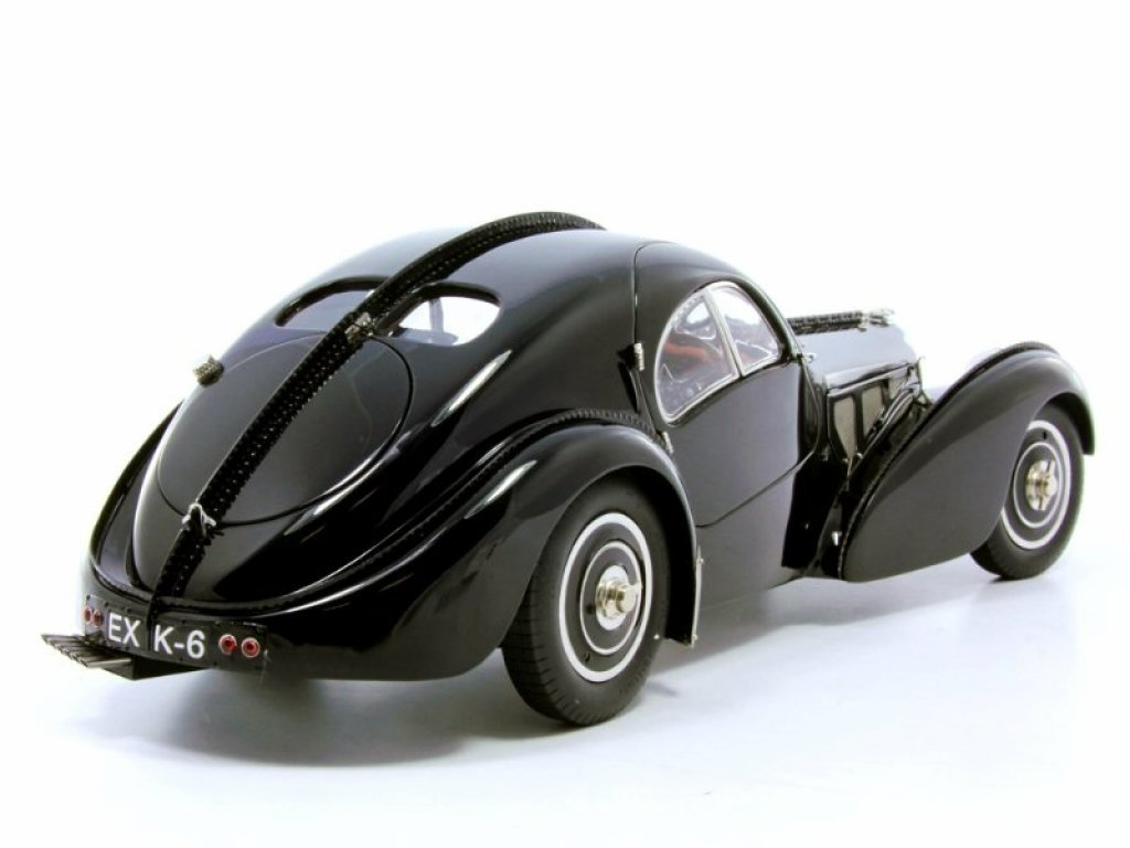 1:18 CMC Bugatti Type 57SC Atlantic 1938 черный