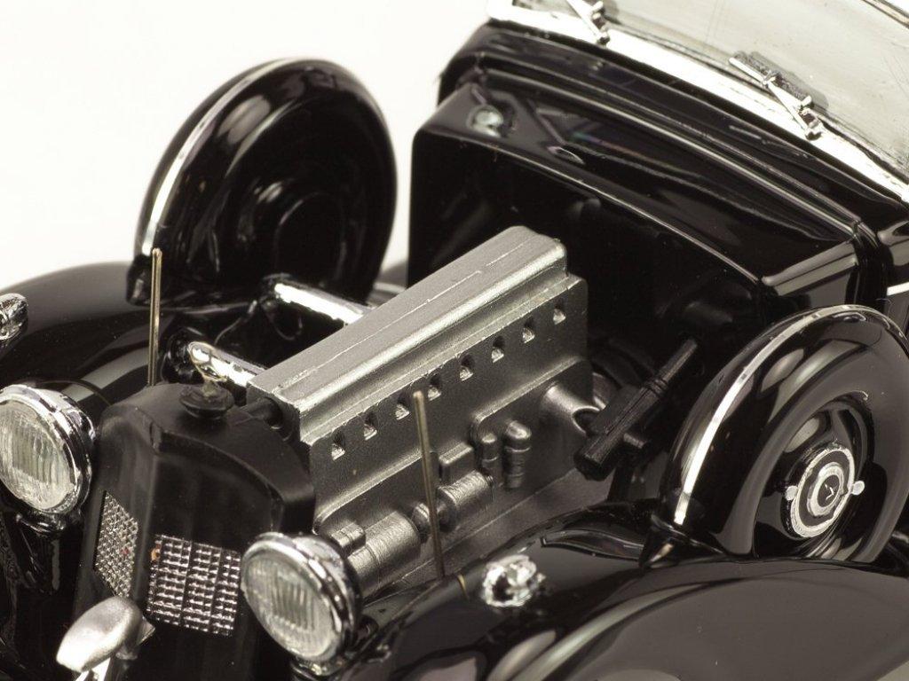 1:43 Rio Mercedes-Benz 770K Cabriolet F 16 декабря 1941 (подарок Маршалу Маннергейму) оригинальный тент, утеплитель на решетке радиатора