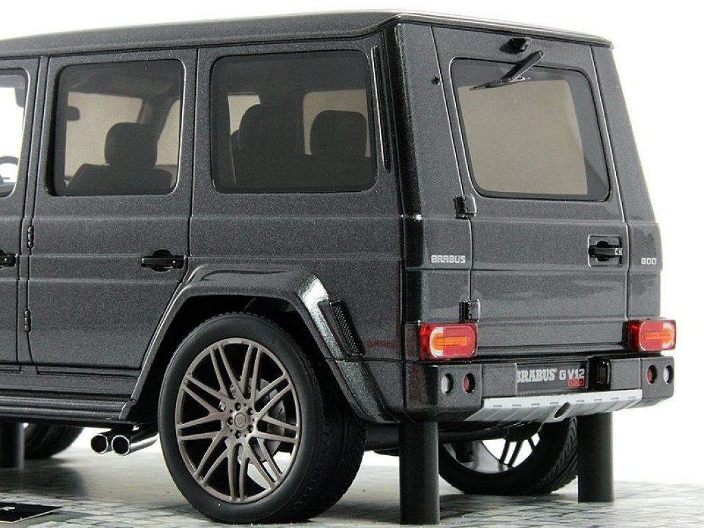 1:18 Minichamps Brabus G V12 800 Widestar (Mercedes-Benz G-klasse W463 2011) серый