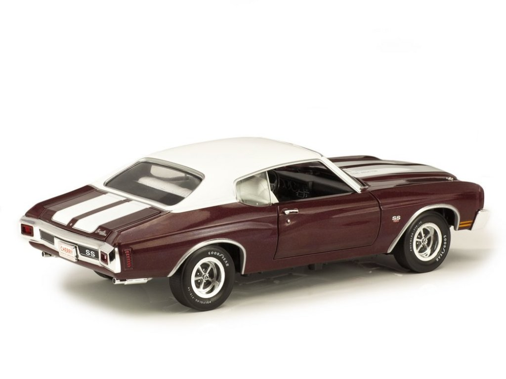 1:18 Auto World Chevrolet Chevelle SS 1970 бордовый
