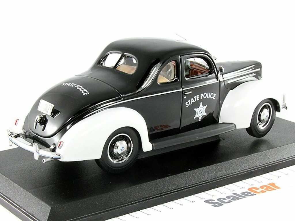 1:18 Maisto Ford Deluxe Police 1939 Полиция