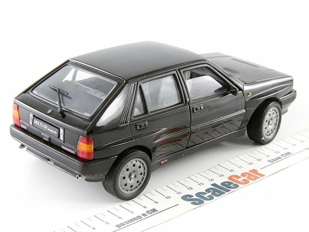 1:18 Sunstar Lancia Delta HF Integrale 8V 1990 черный