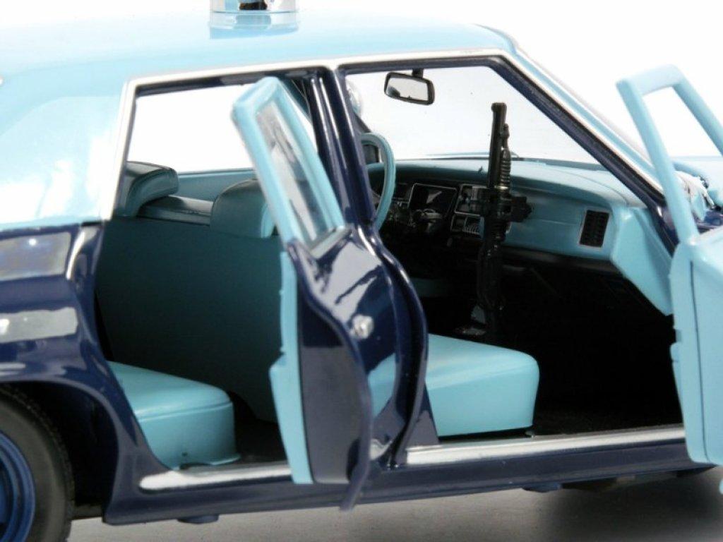 1:18 Auto World Dodge Monaco Pursuit Massachusetts State Police 1974