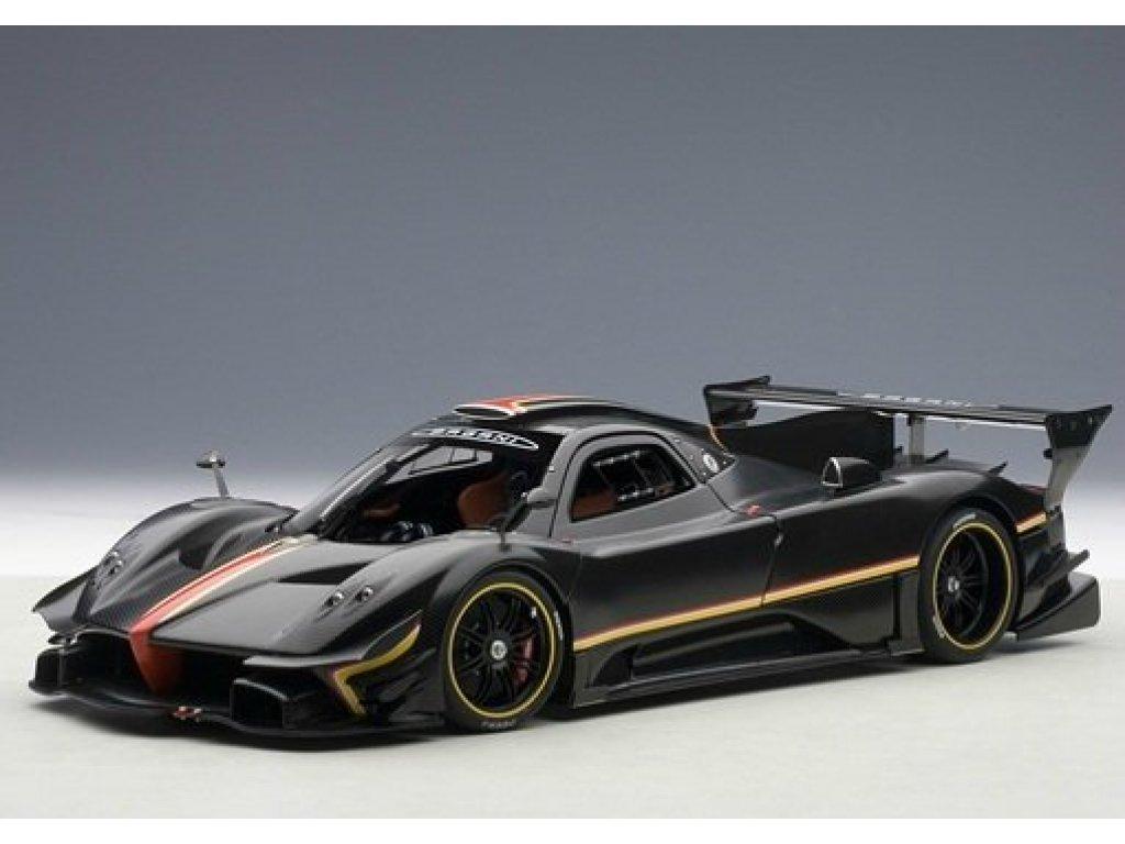 1:18 AUTOart Pagani Zonda Revolution 2013 черный карбон