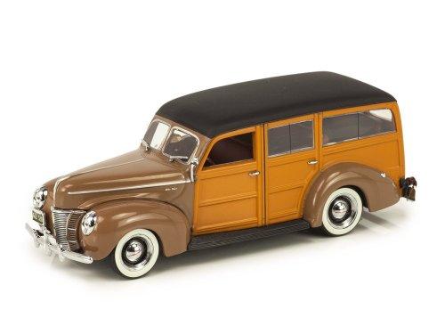 1:43 Minichamps Ford V8 De Luxe Woody Stationwagen 1940 коричневый