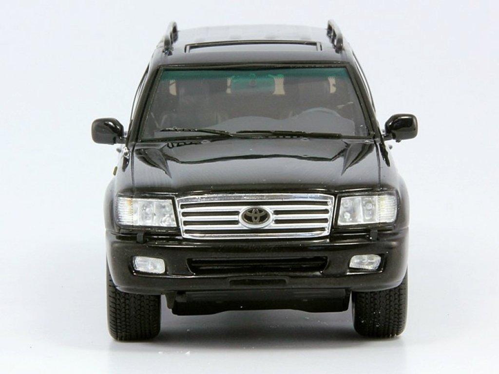 1:43 Spark Toyota Land Cruiser 100 VX черный