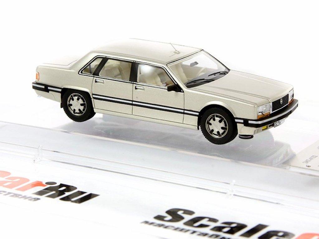 1:43 DiP Models ЗиЛ-4102 (шампань)