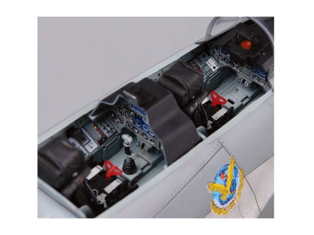 1:32 Trumpeter Истребитель ВВС КНР Су-30МКК
