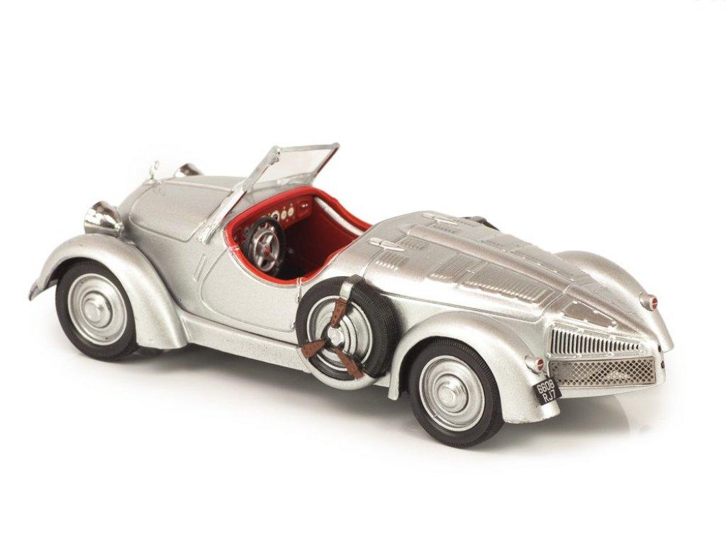 1:43 IXO Mercedes-Benz 150 Sport Roadster 1935 серебристый с красным салоном