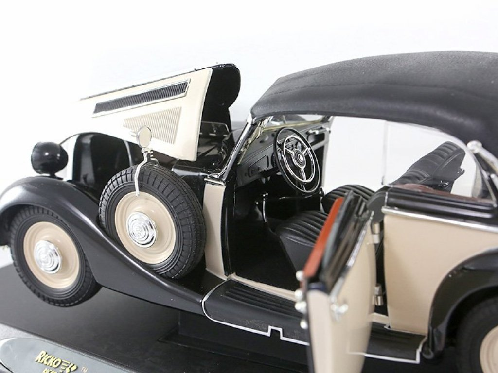 1:18 Ricko Horch 930V Cabriolet 1937 черный/бежевый