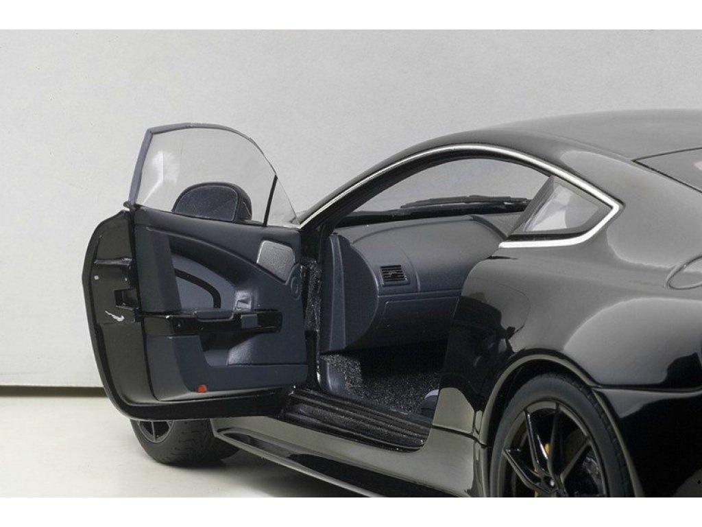 1:18 AUTOart Aston Martin V12 Vantage S 2015 черный