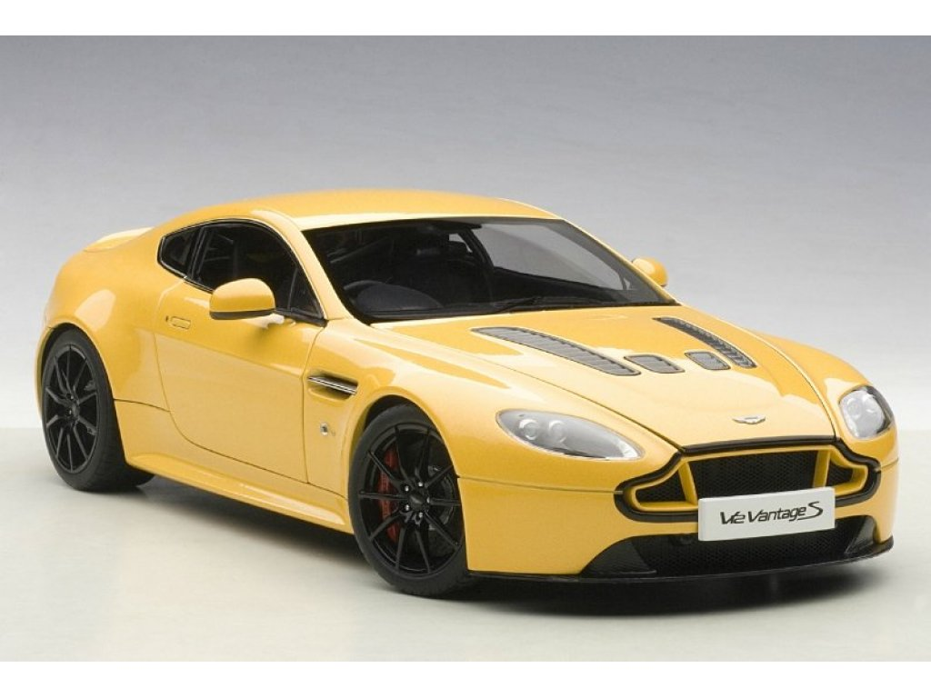 1:18 AUTOart Aston Martin V12 Vantage S 2015 желтый металлик