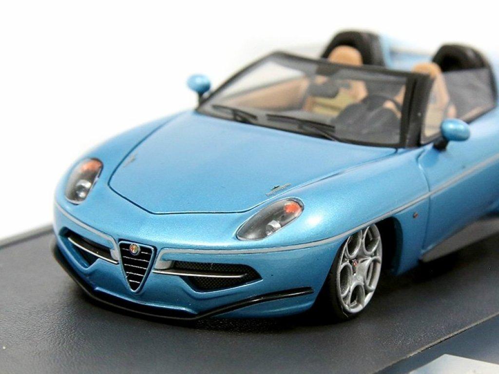 1:43 Matrix Alfa Romeo Touring Disco Volante Spyder 2016 синий металлик