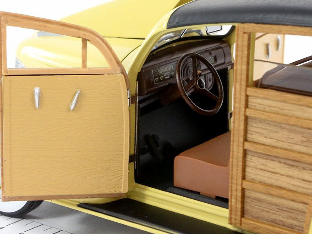 1:18 Sunstar Chevrolet Woody Station Wagon 1939 Woody бежевый с отделкой деревом