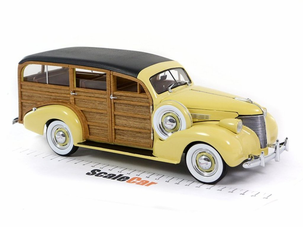 1:18 Sunstar Chevrolet Woody Station Wagon 1939 woody/italian cream