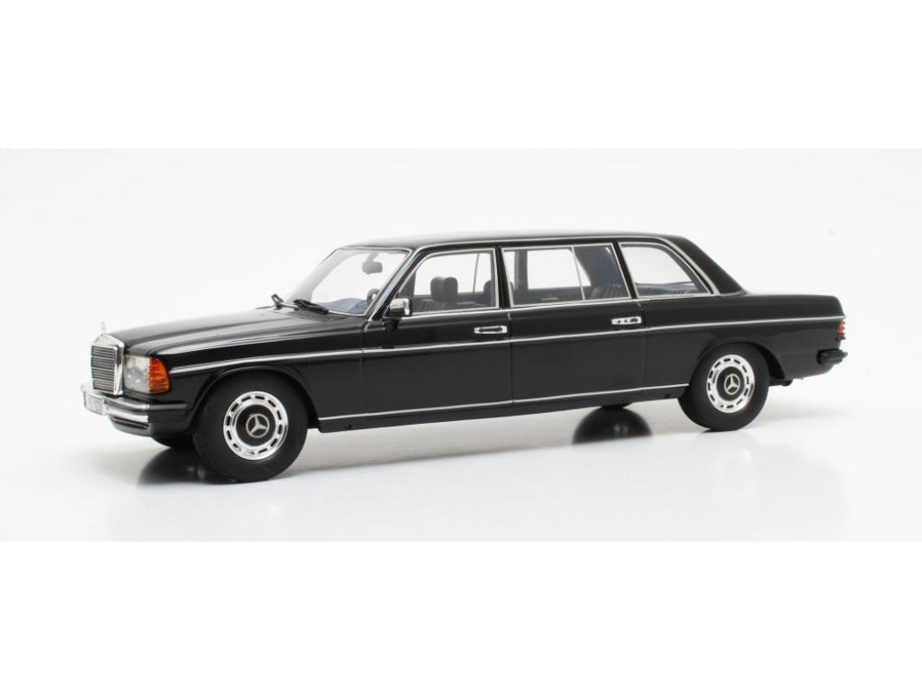 1:18 CULT Scale Models Mercedes-Benz 250 Lang V123 (W123) 1978 черный