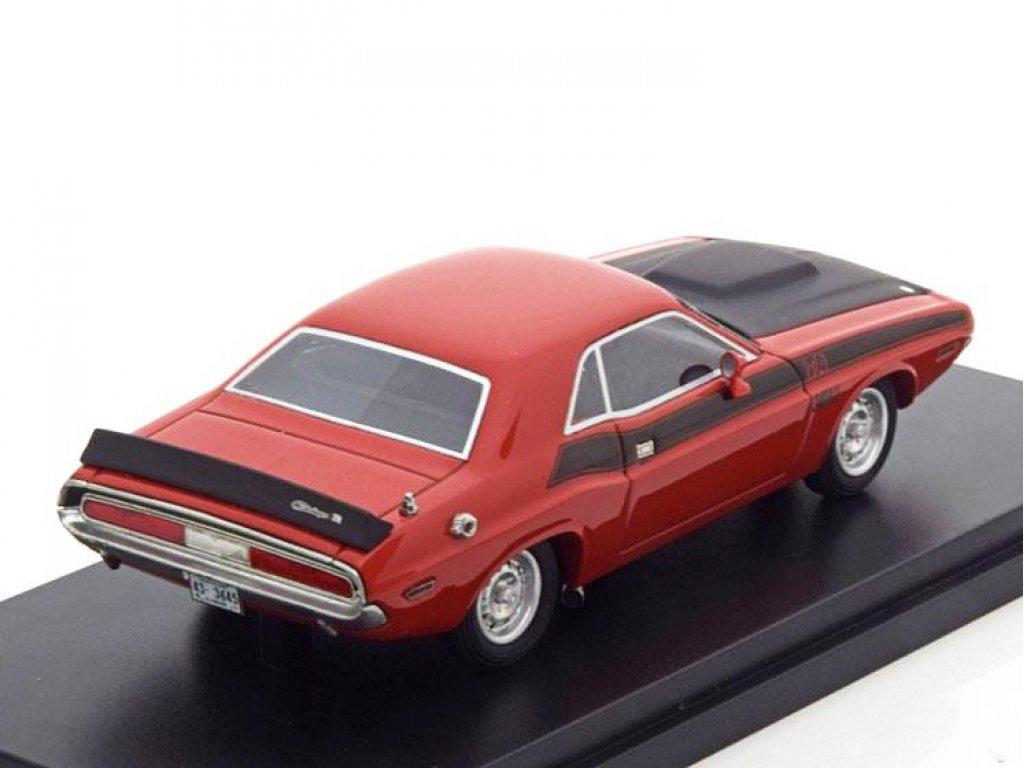 1:43 Best of Show Dodge Challenger T/A 1970 красный с черным