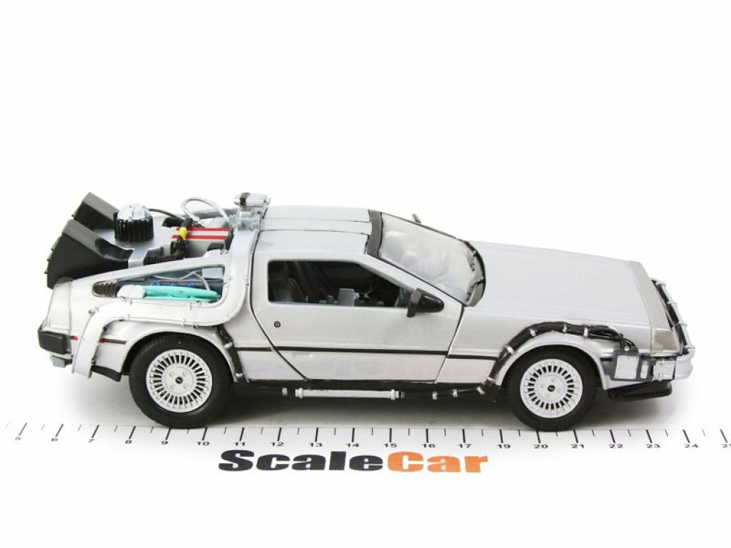1:24 Welly DeLorean DMC-12 Flying Wheel Version Back To the Future 2 (Из К/ФНазад В Будущее 2) 1983
