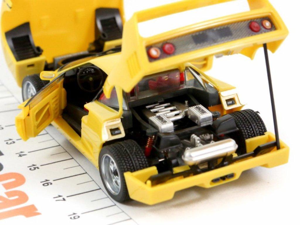 1:43 Herpa Ferrari F40 желтый (все открывается)