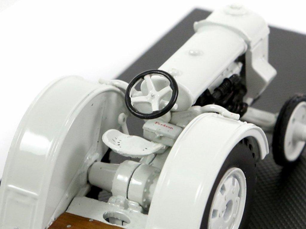 1:43 Dongguan Fordson Traktor 1921 серый