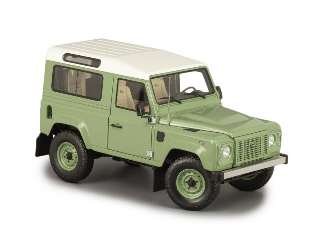 1:18 Almost Real Land Rover Defender 90 Heritage Edition - 2015 - зеленый