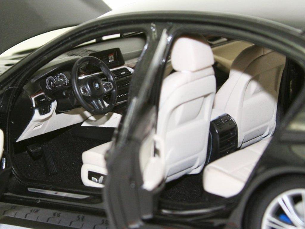 1:18 Kyosho BMW 5 series 2017 G30 M Sport темно-серый металлик
