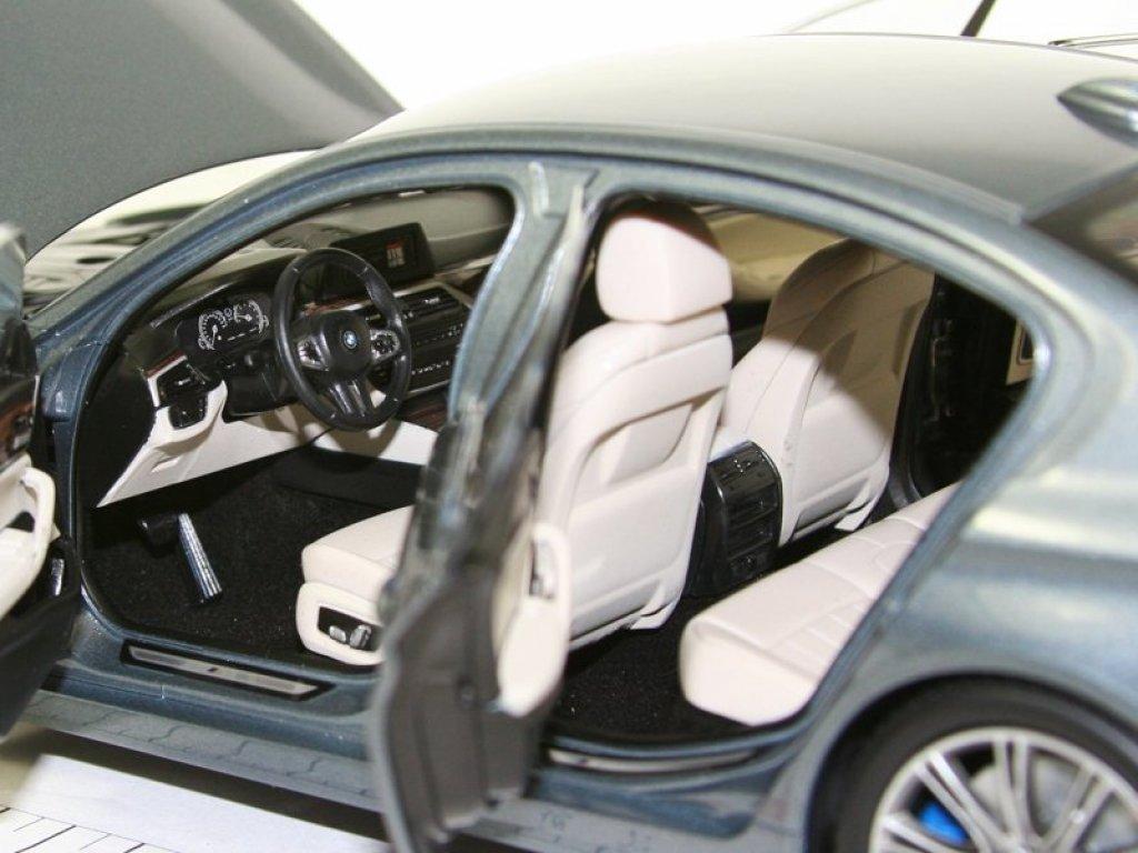1:18 Kyosho BMW 5 series 2017 G30 M Sport серый металлик