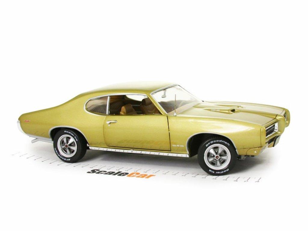 1:18 Auto World Pontiac GTO Hardtop 1969 золотистый