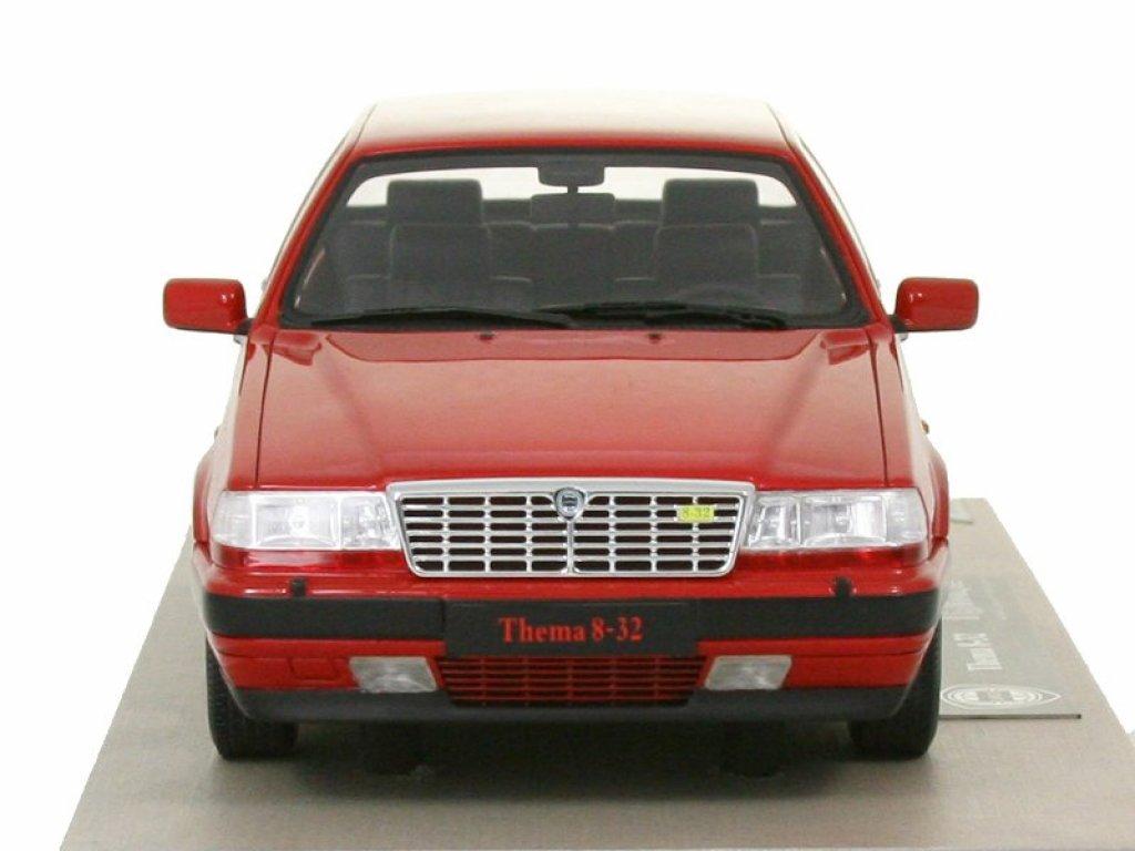 1:18 Top Marques Lancia Thema 8.32 (двигатель Ferrari) красный