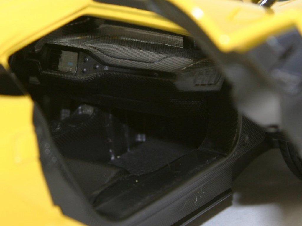 1:18 Maisto Ford GT 2017 желтый