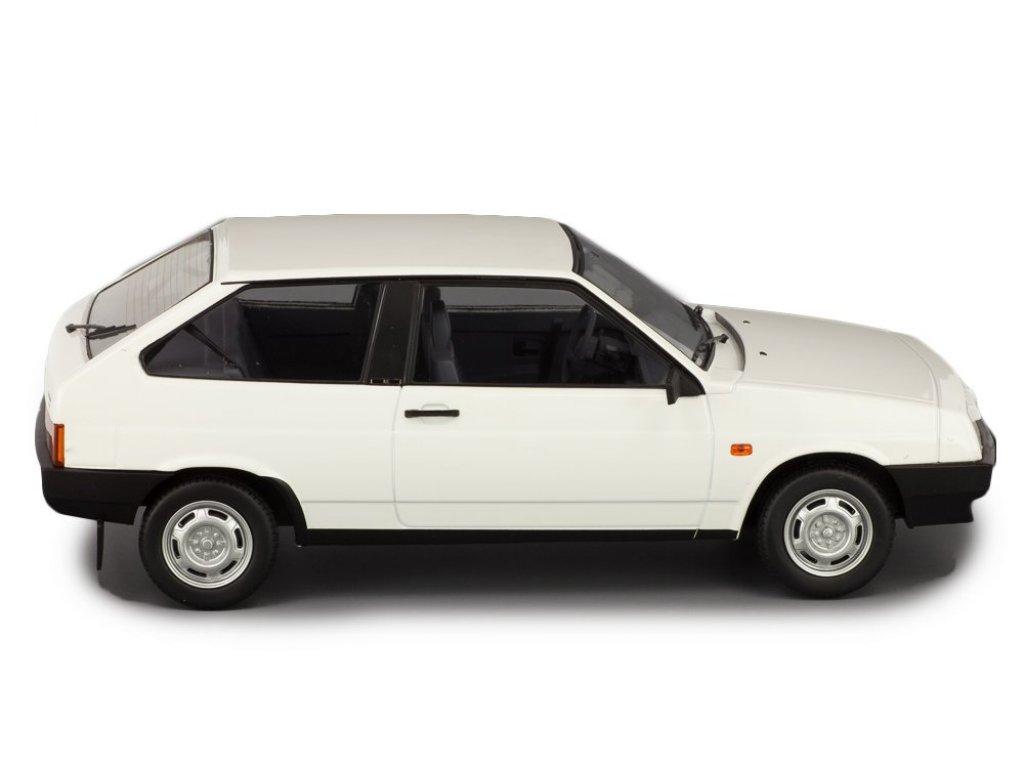 1:18 Premium Scale Models ВАЗ-2108 Lada Samara белый
