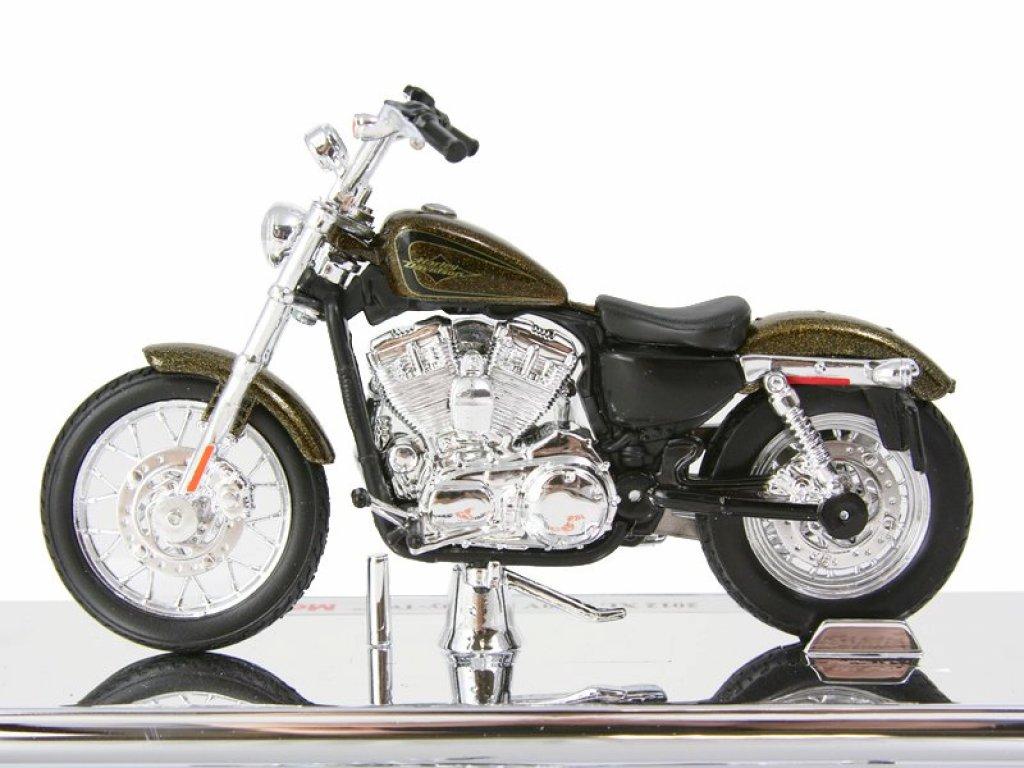 1:18 Maisto Harley-Davidson XL1200V Seventy-Two 2012 коричневый металлик