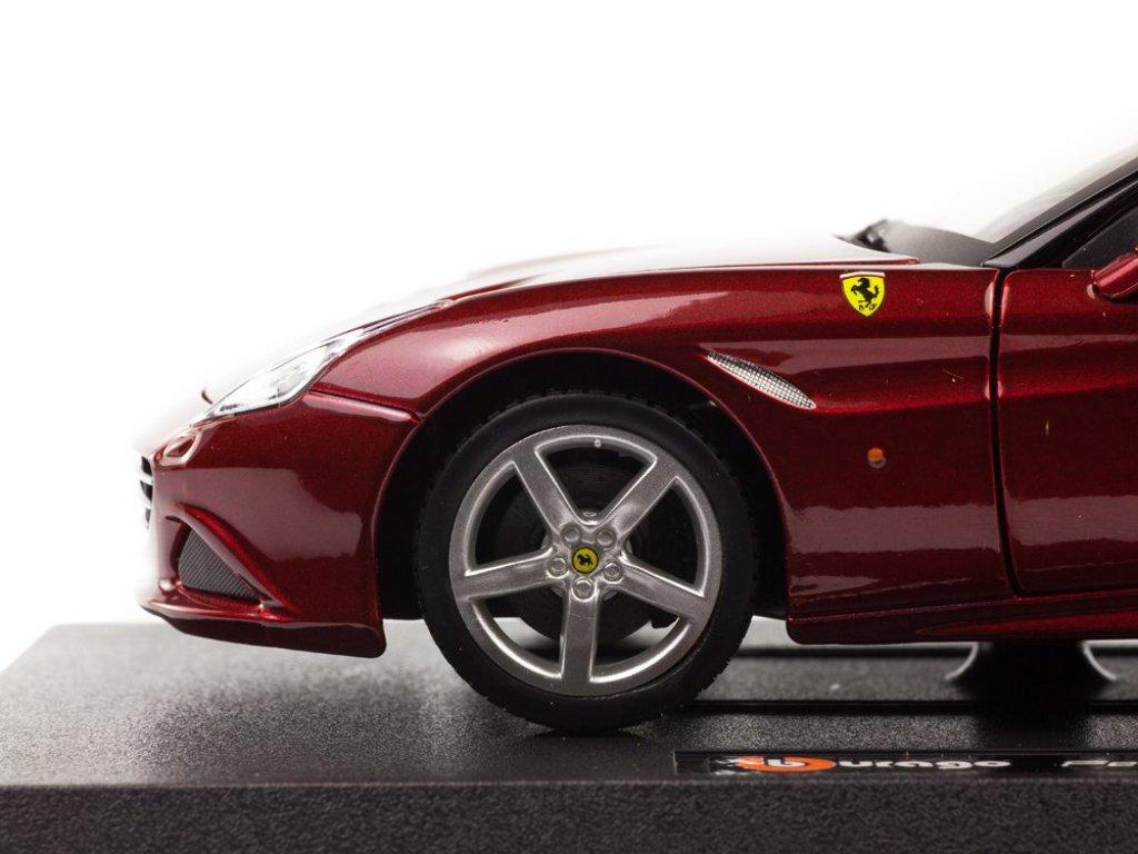 1:24 BBurago Ferrari California T открытый бордовый