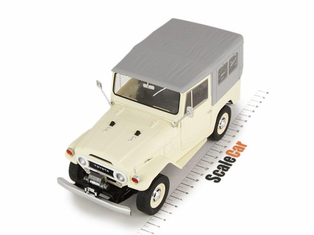 1:18 IXO Toyota Land Cruiser FJ40 1967 бежевый с серым тентом
