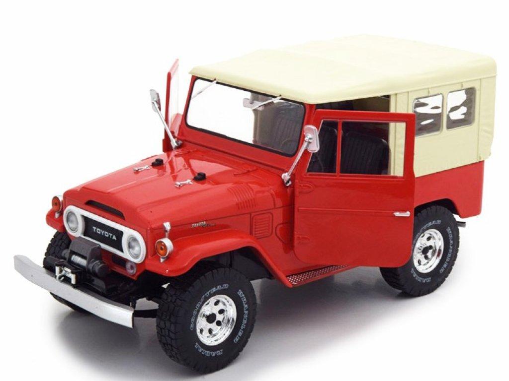 1:18 IXO Toyota Land Cruiser FJ40 1967 красный с бежевым тентом