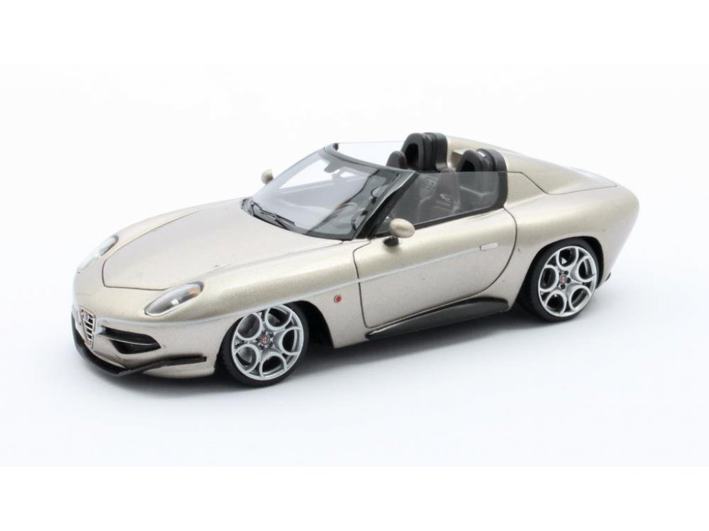 1:43 Matrix Alfa Romeo Touring Disco Volante Spyder 2016 золотистый
