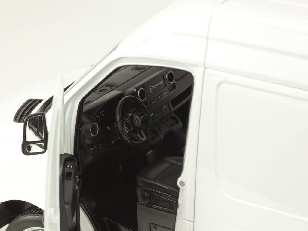 1:18 Norev Mercedes-Benz Sprinter W907 2018 фургон белый