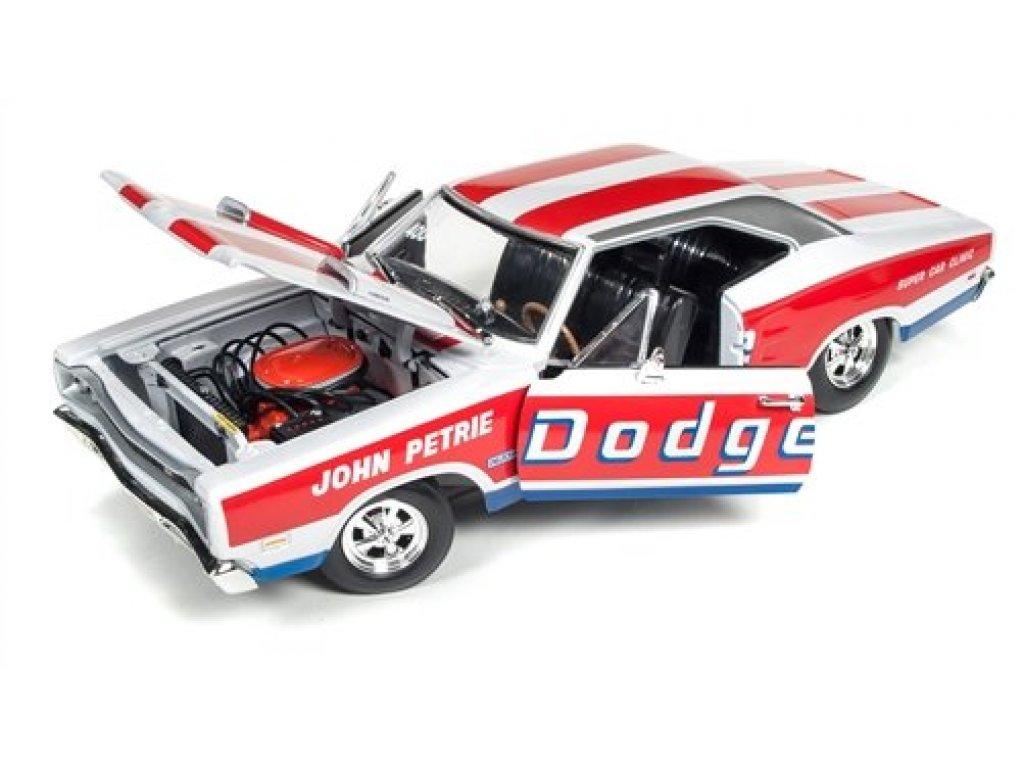 1:18 Auto World Dodge Coronet Super Bee 1969 красный с белым
