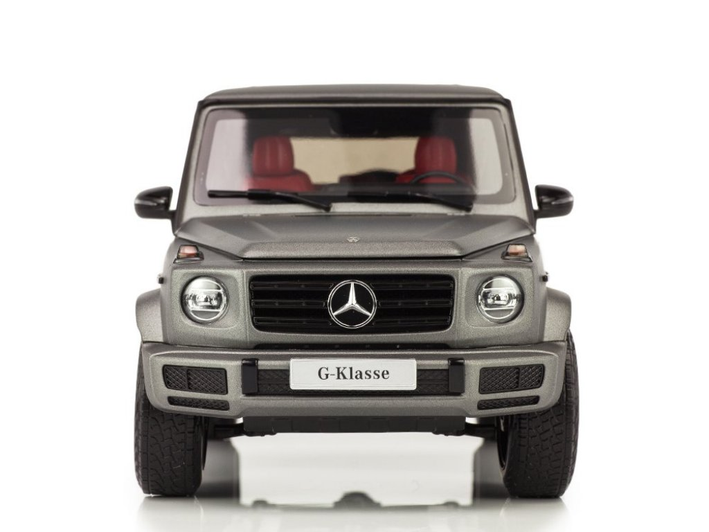 1:18 Minichamps Mercedes-Benz G-class 2018 W463 II (новый Гелендваген) designo platinum magno серебристо-голубой металлик