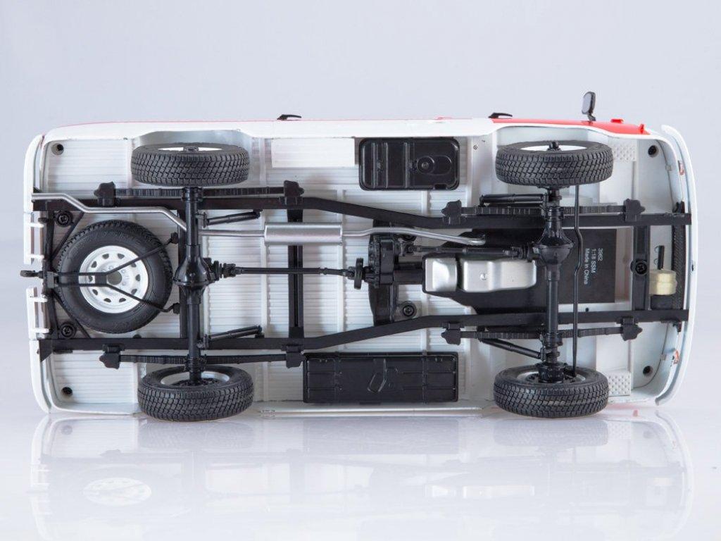 1:18 Start Scale Models УАЗ-3962 Скорая помощь белый с красным
