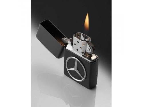 Mercedes Accessories Латунная зажигалка с матовым черным покрытием и серебристой звездой Mercedes